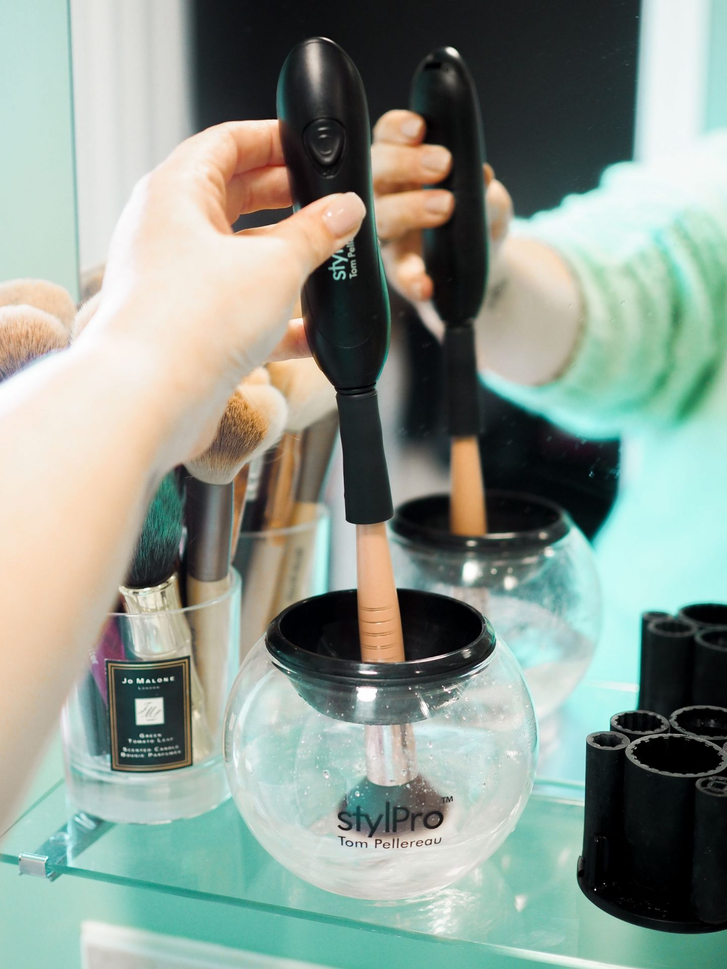 I Found The Easiest, Quickest & Most Hygienic Way To Clean Your Makeup Brushes