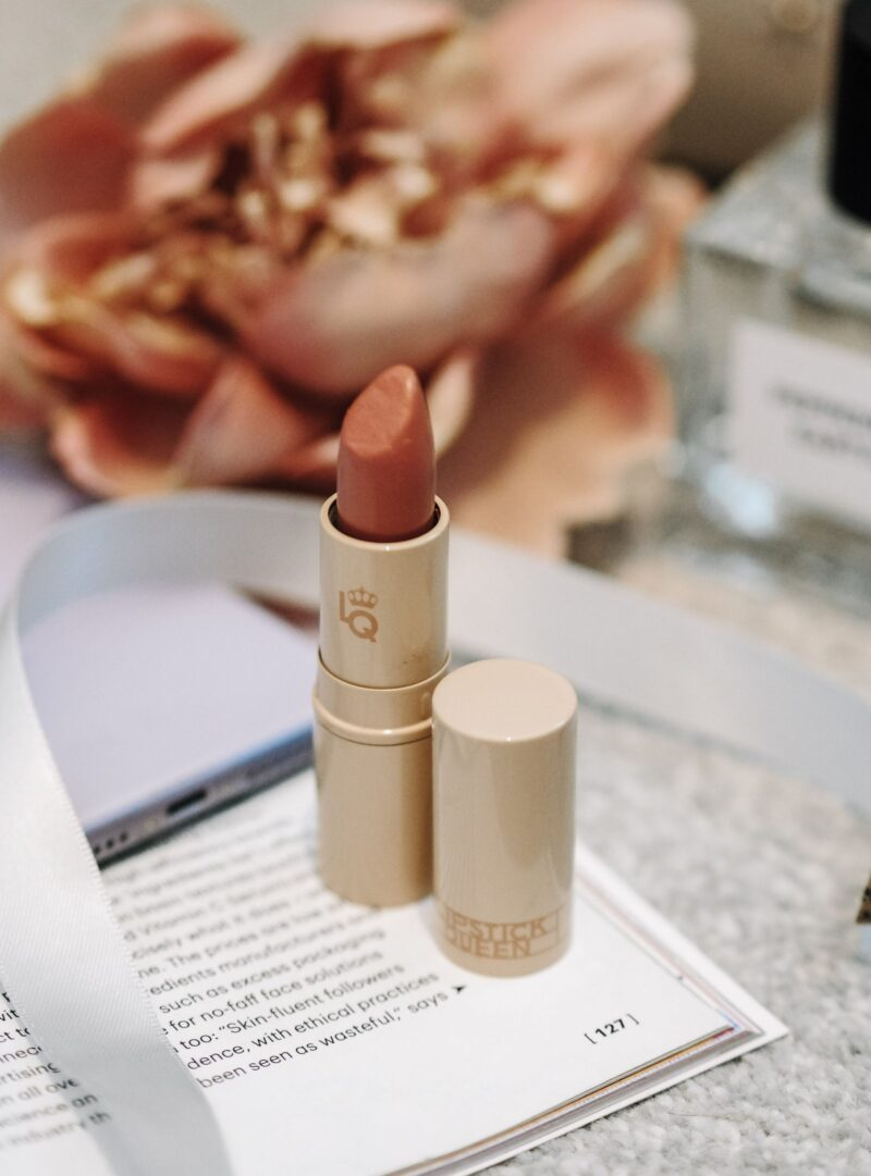 Totally Nude: 7 Super Comfortable Hydrating Lipsticks & Glosses You Can Wear All Day
